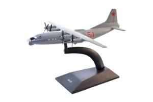 Модель самолёта АН-12 DeAgostini