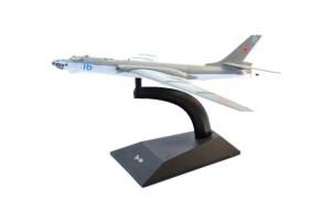 Модель самолёта Ту-16 DeAgostini